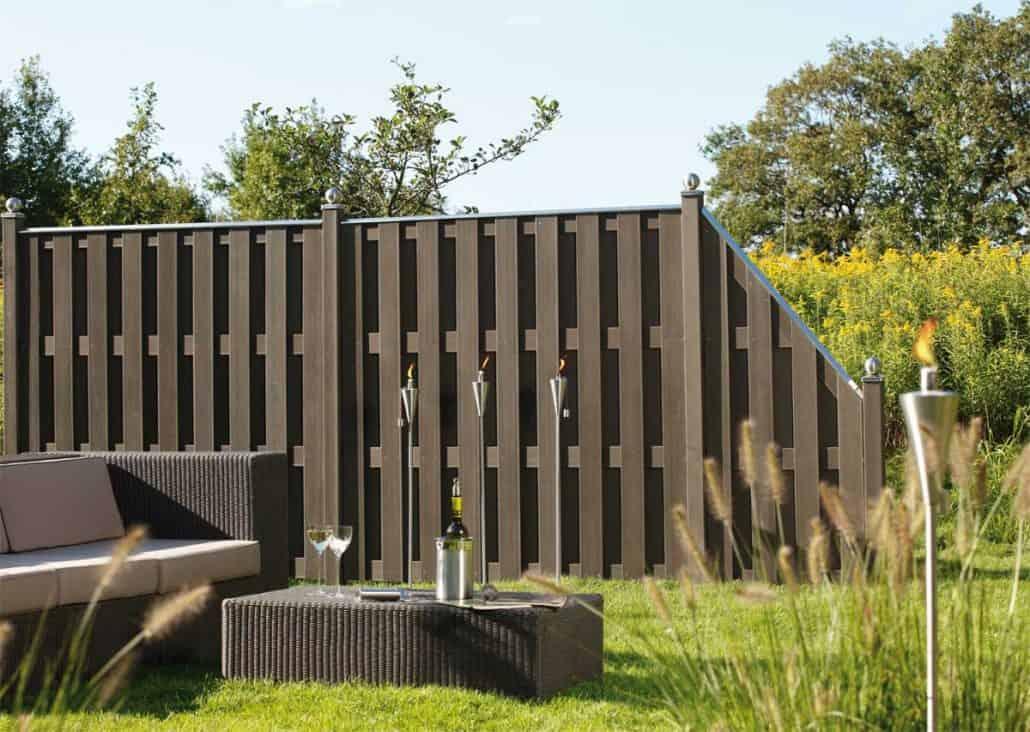 sichtschutzzaun holz wpc montiert oder angeliefert gartenholzprofi. Black Bedroom Furniture Sets. Home Design Ideas
