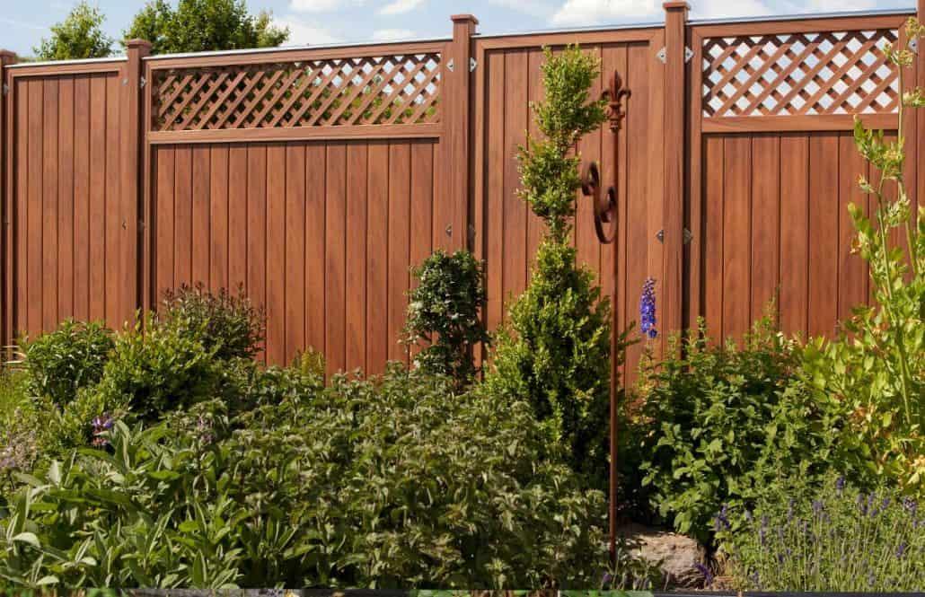 Sichtschutzzaun Holz Wpc Montiert Oder Angeliefert Gartenholzprofi