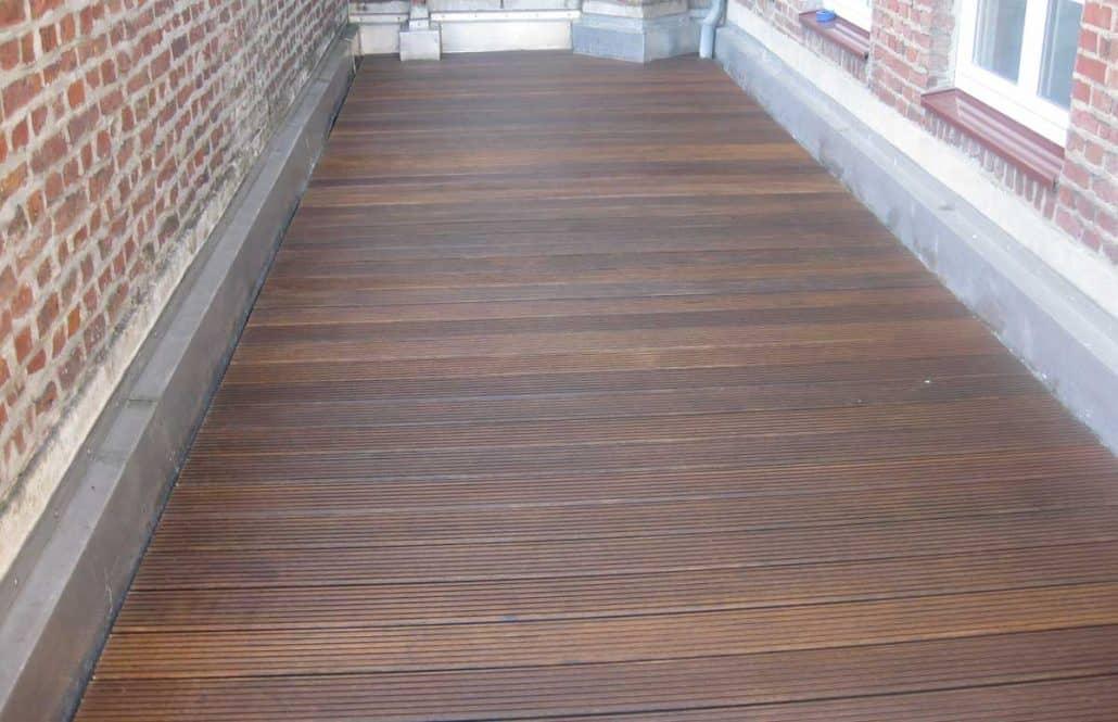 holz terrassen renovierung glanz f r alte terrassen gartenholzprofi. Black Bedroom Furniture Sets. Home Design Ideas