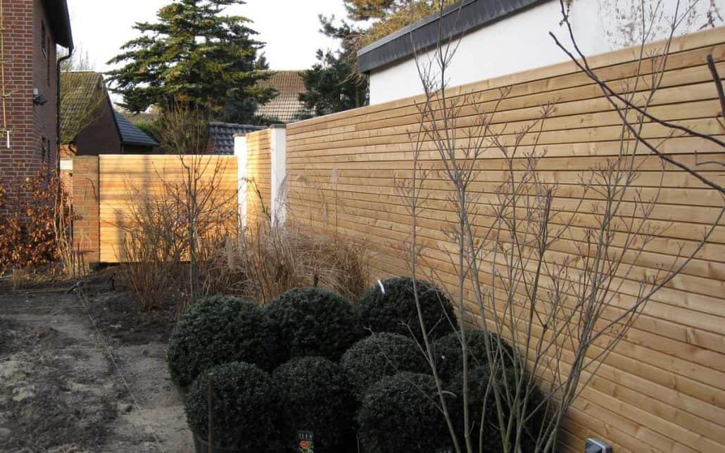 rhombus sichtschutzzaun aus l rchenholz gartenholzprofi. Black Bedroom Furniture Sets. Home Design Ideas