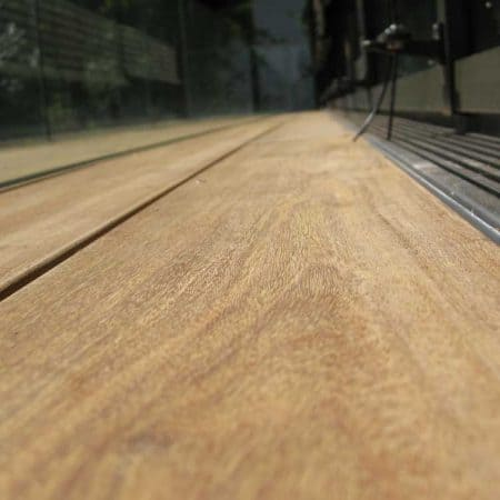 Ipé Holzdielen Detail mit Rinne