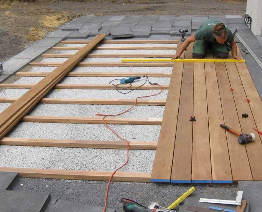 Montage Holzterrasse in Ipé